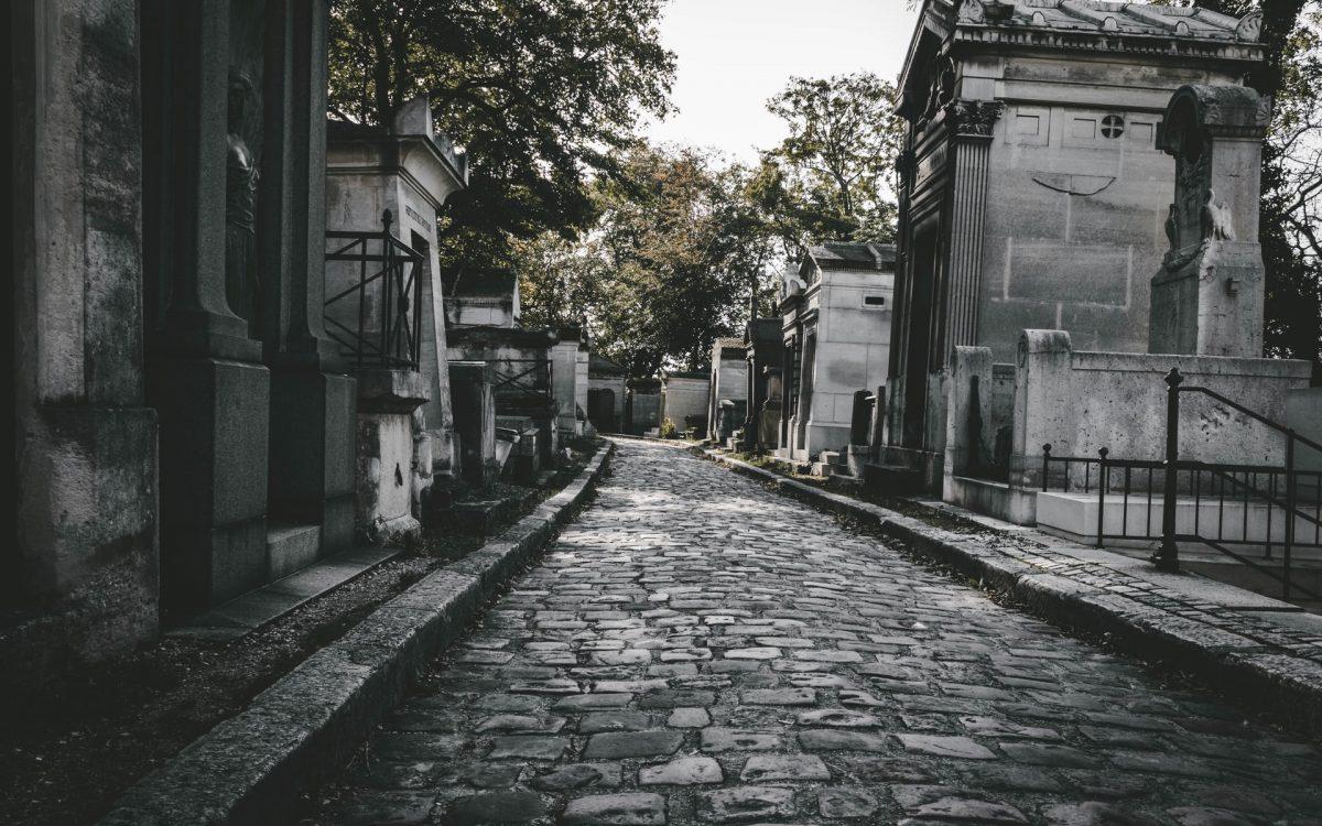 Choisir une tenue pour un enterrement
